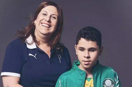 """سيلفيا جريكو """"أفضل مشجعة في العالم"""".. قصة رائعة لأمٍ وابنها في الملاعب"""